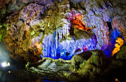 Thien Cung Cave (Heaven Palace Cave)